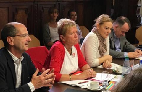 v.li. Achim Kessler (Linke), Ulli Nissen (SPD), Jessica Purkhardt (Grüne), Matthias Zimmer (CDU)